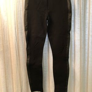 Black pants with leather trim song side size 00